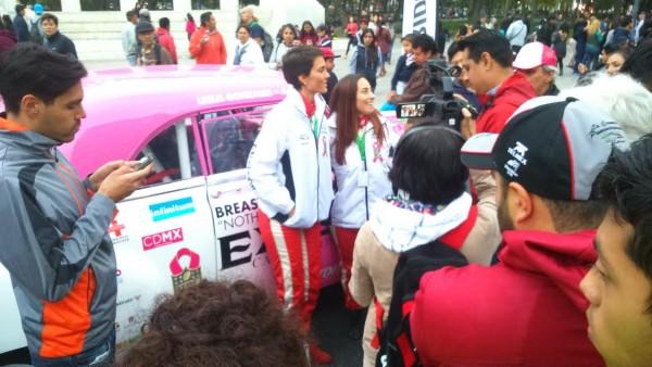 PANAMERICANA-2015-Ana-Gaby-et-Leslie-sollicitées-par-la-presse