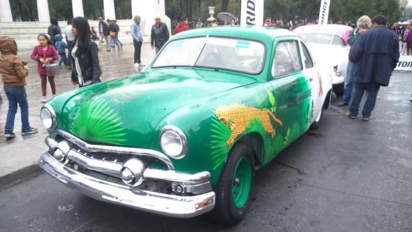 PANAMERICANA-2015-La-Ford-1951-dédiée-à-la-protection-de-lenvirronement.