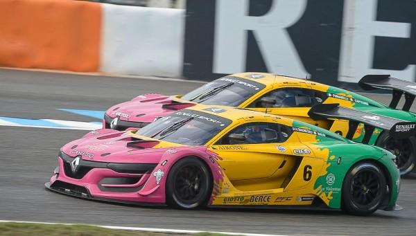RS-01-JEREZ-2015-Les-deux voitures-du-Team-OREGON