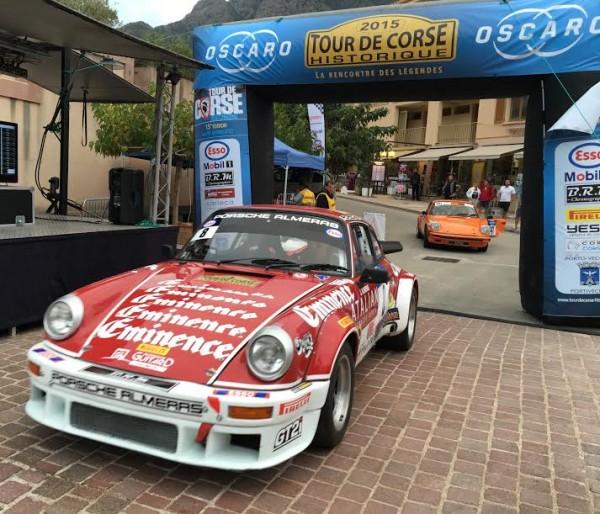 TOUR-DE-CORSE-HISTORIQUE-2015-La-PORSCHE-911-de-JEAN-FRANCOIS-MPOURGUES-et-DENIS-GIRAUDET-Photo-AUTONEWSINFO