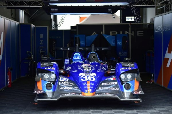 WEC-2015-NURBURGRING-Le-stand-ALPINE-SIGNATECH-Photo-Max-MALKA