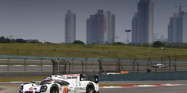 WEC-2015-SHANGHAI-Porsche-919-Hybrid-de-Timo-Bernhard-Brendon-Hartley-et-Mark-Webber-