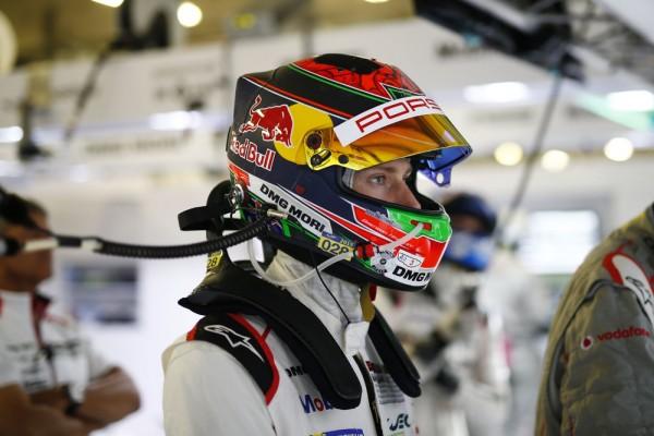 WEC-2015-SHANGHAI-Porsche-Teal-Brendon-Hartley.