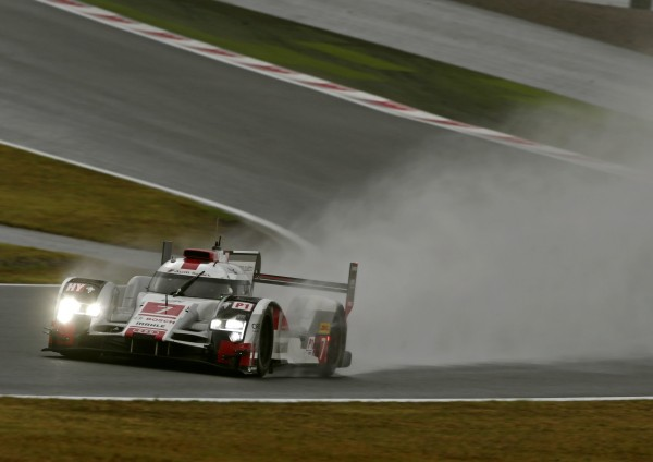 WEC 2015 SIX HEURES DU FUJI -LAUDI N°7 de TRELUYER-FASSLER-LOTTERER finira 3éme dans des conditions dantesques.