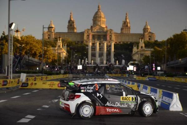 WRC 2015 ESPAGNE - La 1re spéciale dans BARCELONE a MONTJUICH -La DS3 de KRIS MEEKE