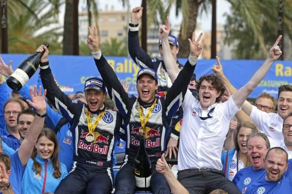 WRC 2015 ESPAGNE VW POLO de MIKKELSEN-FLOENE les grands vainqueurs avec Richard BROWNE ce dimanche 25 Octobre à SALOU.