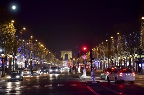 ANDROS-2015-2016-Présentation-Equipe-PERNAUT-Les-Champs-ELYS2ES-vue-de-la-Place-de-la-CONCORDE-Jeudi-26-Novembre-Photo-Max-MALKA