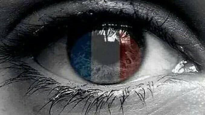 ATTENTAT-LA-FRANCE-QUI-PLEURE-LES-MESSAGES-DU-MONDE-AUTOMOBILE-R-HOMMAGE-AUX-VICTIMES-DU-TERRORISME-EN-FRANCE-A-PARIS