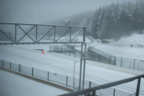 Circuit-Spa-Francorchamps-sous-la-neige