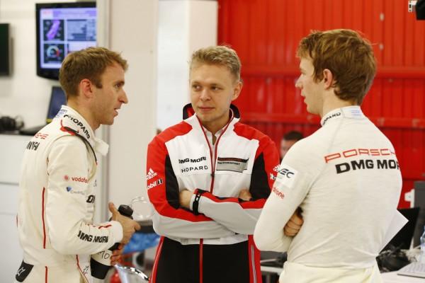 ENDURANCE-2015-Circuit-de-CATALUNYA-a-MONTMELO-Porsche-919-Hybrid-Porsche-Team-Timo-Bernhzard-Kevin-Magnussen-Oliver-Turvey