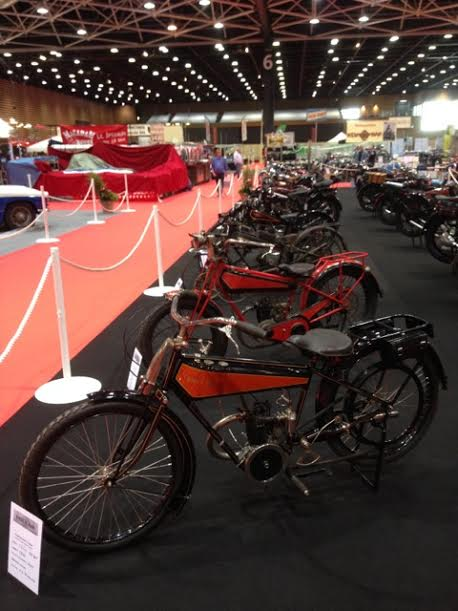 EPOQ-AUTO-LYON-2015-Exposition-des-superbes-motos-DOLLAR-Photo-Alex-PIERQUET