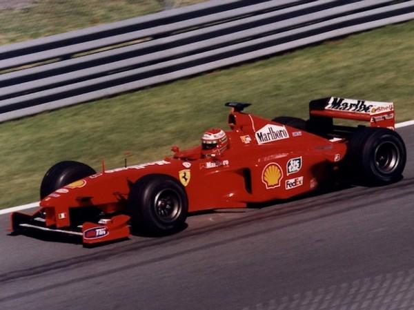 F1-1999-CANADA-LA-FERRARI-EDDIE-IRVINE