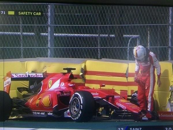 F1 2015 MEXICO Abandon de la FERRARI de SEB VETTEL