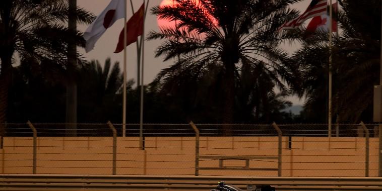 F1-2015-YAS-MARINA-ABOU-DHABI-MERCEDES-de-NICO-ROSBERG
