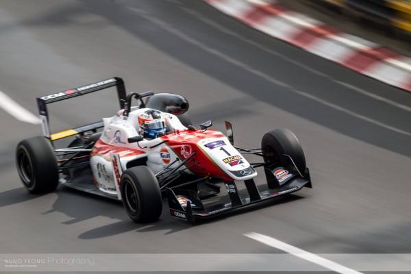 F3 MACAO 2015 - FELIX ROSENQVIST Equipe THEODORE Racing