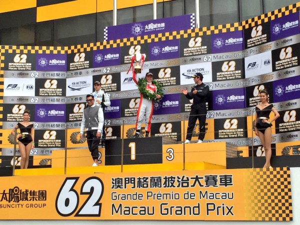 F3-2015-MACAO-Le-podium-de-la-course-qualificative-samedi-21-Novrembre