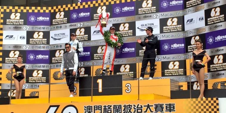 F3-2015-MACAO-Le-podium-de-la-course-qualificative-samedi-21-Novrembre