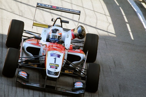 F3-MACAO-FELIX-ROSENQVIST-Equipe-THEODORE-Racing
