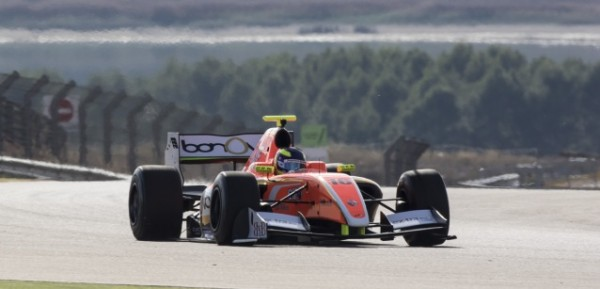 FORMULA-3-5-V8-2015-TOM-DILLMANN-team-AVF