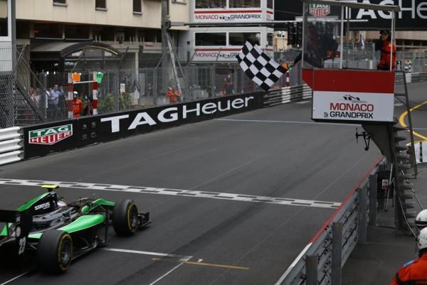 GP2-2015-MONACO-victoire-de-RICHIE-STANAWAY-dans-la-deuxième-course