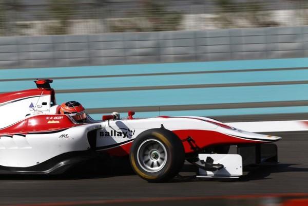 GP3-2015-YAS-MARINA-Esteban-OCON-Le-CHAMPION-2015