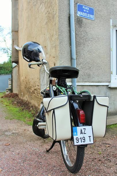 LIVRE-Solex-Un-VéloSolex-accessoirisé-avec-des-saccoches.-Photo-Emmanuel-LEROUX