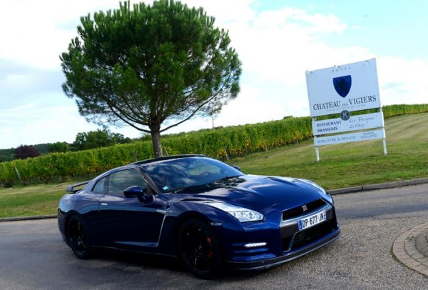 NISSAN-GT-R-au-Golf-du-chateau-des-Vigiers.-Photo-Claude-Molinier