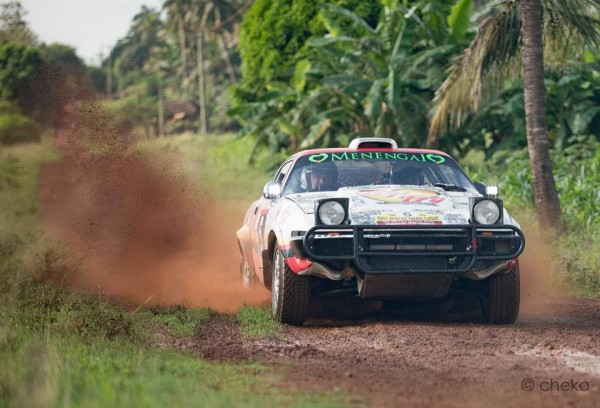 SAFARI-KENYA-2015-Une-TRIUMPH-TR7.