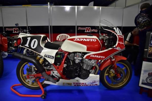 SALON-MOTO-LEGENDE-2015-JAPAUTO-de-1982-de-Pierre-BOLLE-et-Fred-DUVAL-2éme-des-24-Heures-du-Mans-Moto-Photo-Max-MALKA