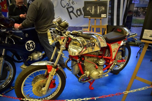 SALON-MOTO-LEGENDE-2015-Stand-BMW-CAFERACER-1000-RS-Photo-Max-MALKA