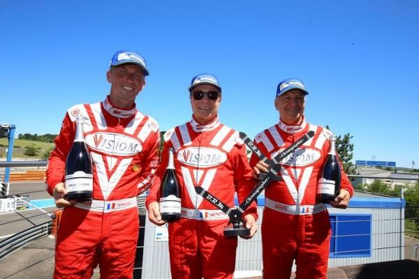 VdeV 2015 - DIJON - Equipage victporieux du GT les pilotes du Team VISIOM.