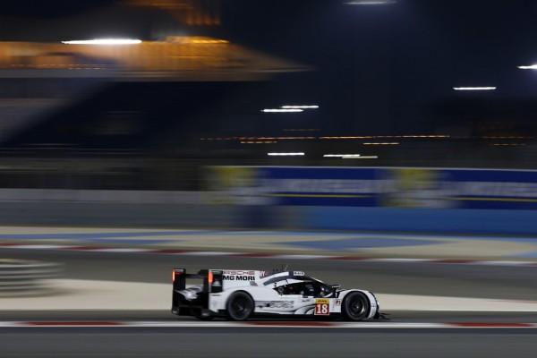 WEC-2015-BAHREIN-La-Porsche-919-Hybrid-N°18