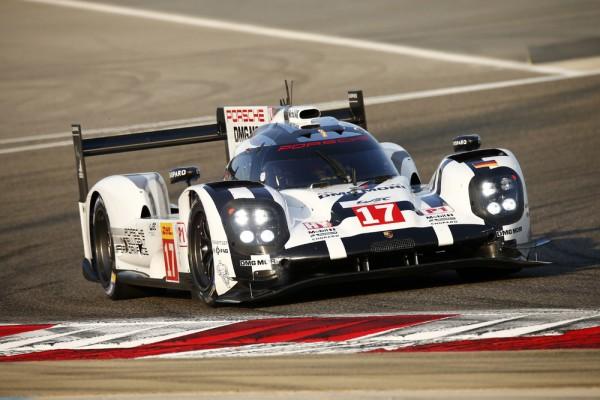 WEC-2015-BAHREIN-La-Porsche-919-Hybrid-de-Timo-Bernhard-Brendon-Hartley-Mark-Webber-est-CHAMPIONNE-du-MONDE