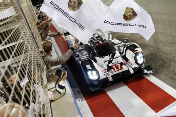 WEC 2015 BAHREIN - La Porsche 919 Hybrid de Timo Bernhard, Brendon Hartley, Mark Webber est CHAMPIONNE du MONDE