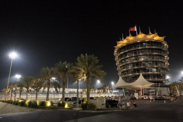 WEC 2015 BAHREIN - Le circuit de nuit.