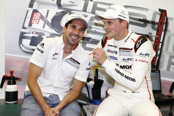 WEC 2015 BAHREIN - Stand Porsche Team Neel Jani, Marc Lieb