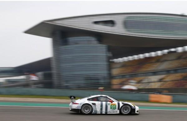 WEC-2015-SHANGHAI-Porsche-911-RSR-91-Team-Porsche-Team-Manthey-Richard-Lietz-et-Michael-Christensen