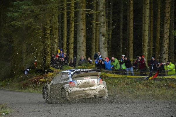 WRC-2015-WALES-GB-OGIER-INGRASSIA-Team-VW