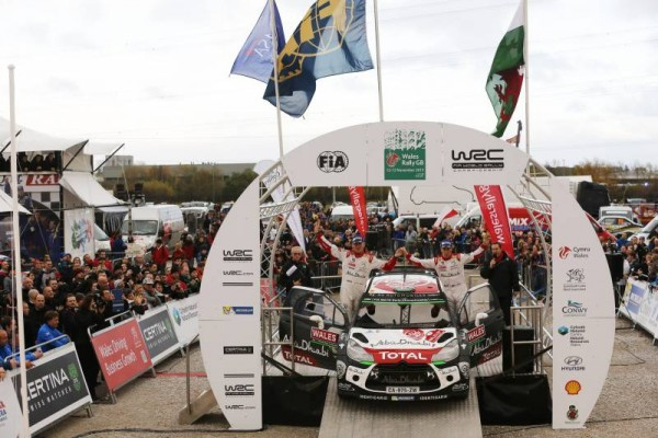 WRC 2015 WALES GB RALLY KRIS MEEKE et PAUL NAGLE seconds avec leur DS3 CITROEN