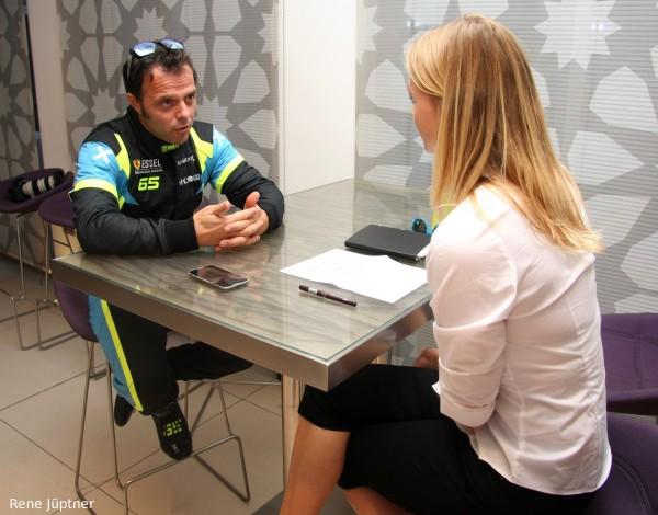 12 HEURES ABOU DHABI 2015 LORIS CAPIROSSI ancien triple CHAMPION du Monde de Moto.