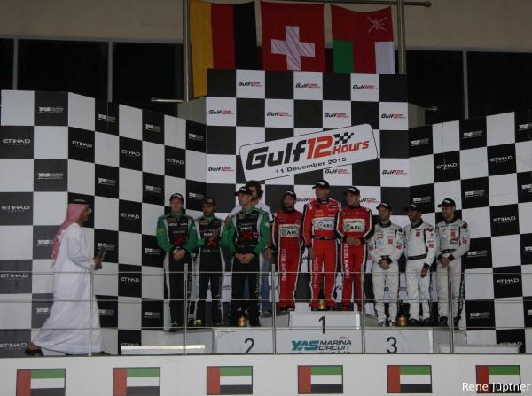 DÉTAILS DU FICHIER ATTACHÉ 12-HEURES-ABOU-DHABI-A-YAS-MARINA-le-12-Novembre-Le-podium-avec-la-victoire-de-la-FERRARI-du-KESSEL-Racing