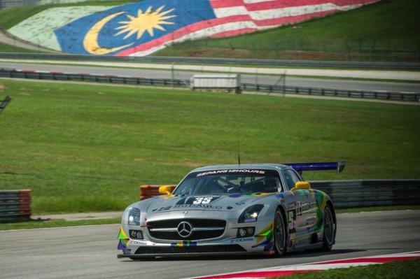 12-HEURES-SEPANG-2015-MERCEDES-SLS-AMG-HUB-AUTO