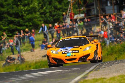 24-HEURES-DU-NURBURGRING-2014-La-pole-pour-Kevin-ESTRE-et-la-MCLAREN-DORR-Motorsports