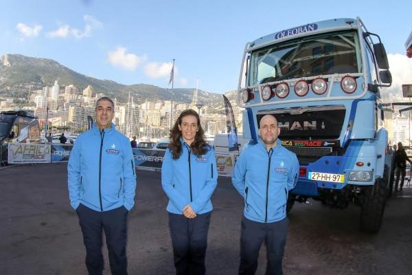 AFRICA RACE 2015 Elisabete JACINTO et ses équipiers au depart de MONACO le 27 décembre