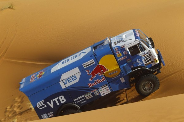AFRICA-RACE-2016-Le-KAMAZ-de-Anton-SHIBALOV.