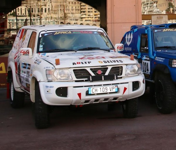 Africa-Race-2016-philippe-Pedeche-Philippe-Perry-team-GARD-Un-Dakar-pour-la-vie-photo-Jean-François-Thiry