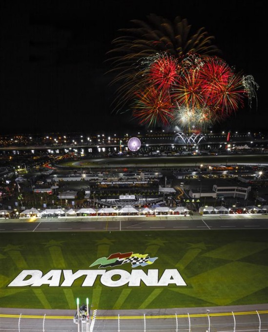 DAYTONA-2015-le-feu-d-artifice