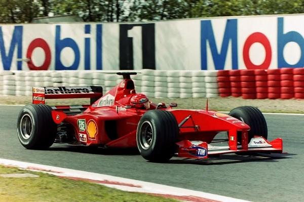 F1-2000-Michael-Schumacher-Ferrari-premier-titre-pour-Ferrari-©-Manfred-GIET