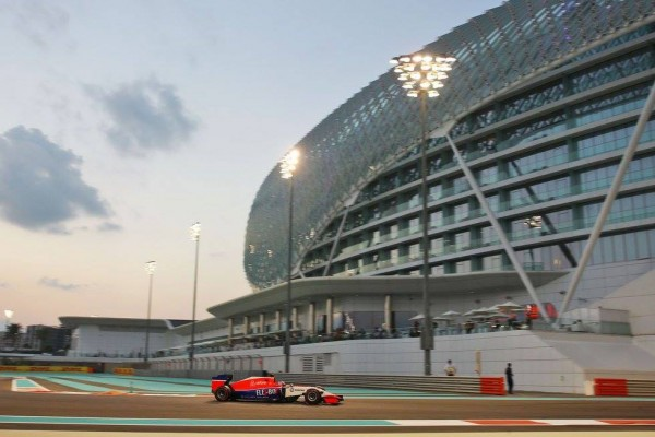 F1-2015-ABOU-DHABI-28-Novembre-WILL-STEVENS