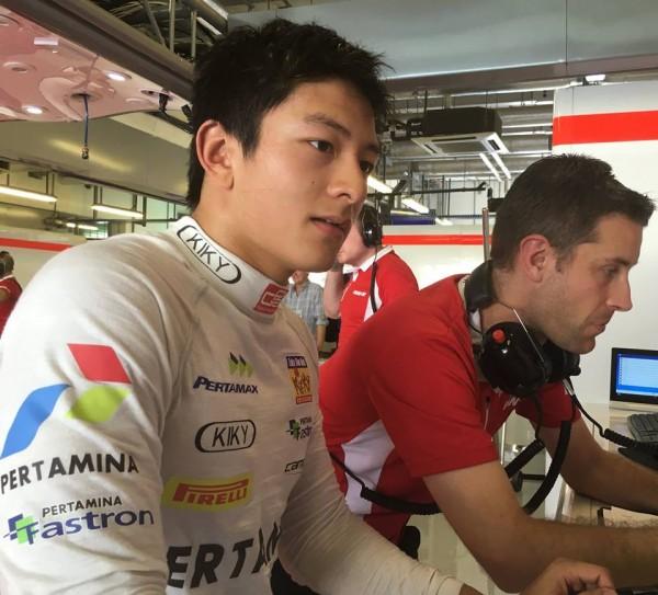 F1-2015-ABOU-DHABI-Test-a-YAS-MARINA-RIO-HARYANTO
